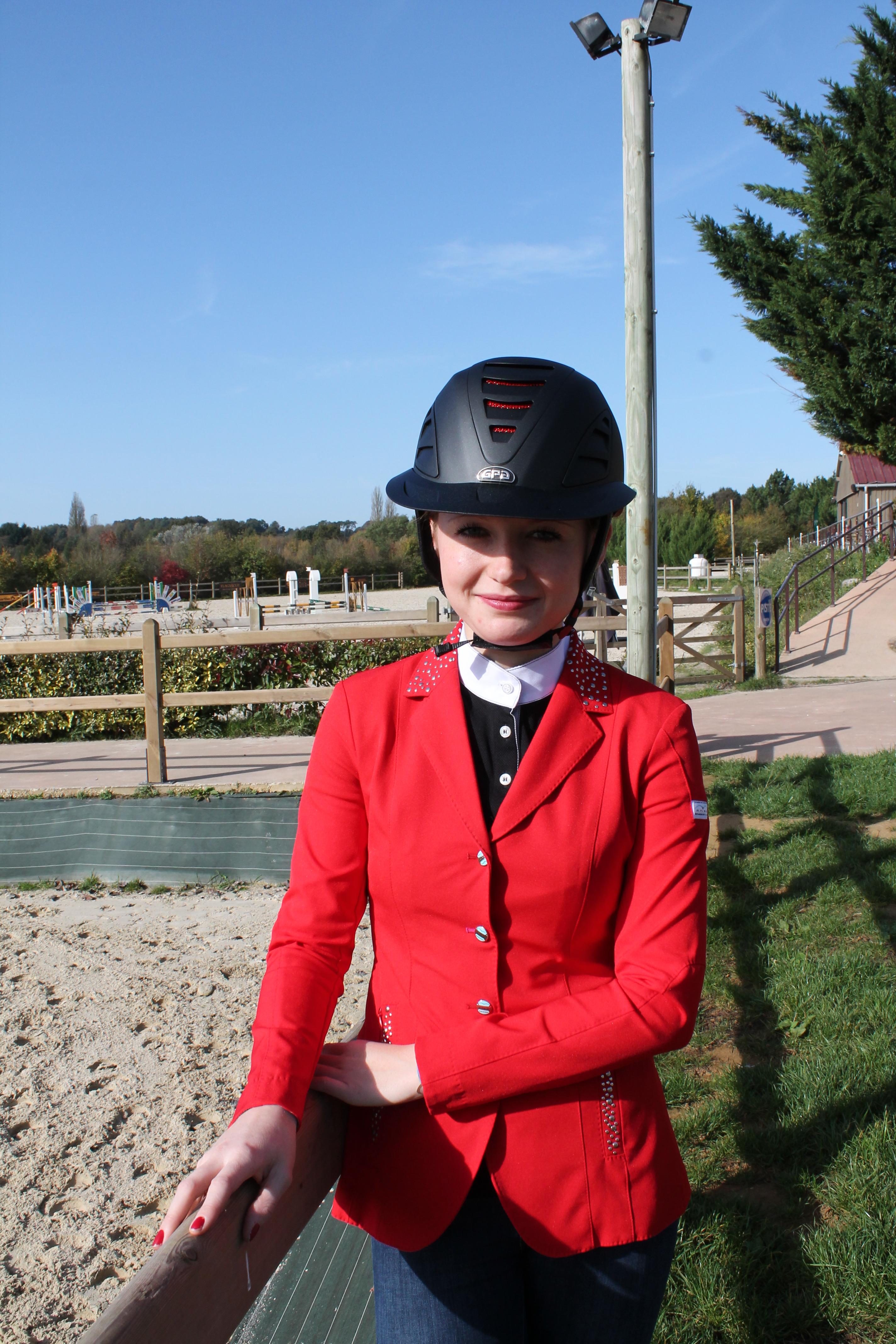 Nouveaux Casques Gpa Red Line Trendy Horse