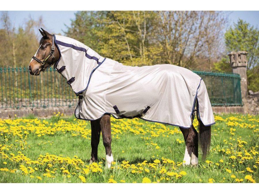 AU SECOURS :  Mon cheval ne supporte pas les mouches !